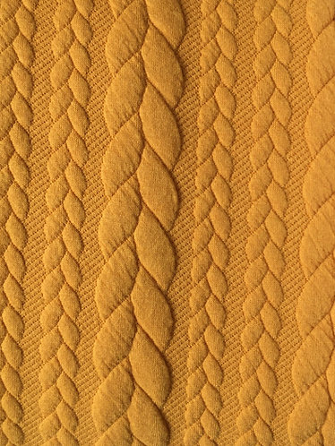 Yellow polyester and elastine cable knit
