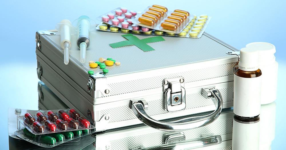Які вимоги до аптечки на підприємстві?
