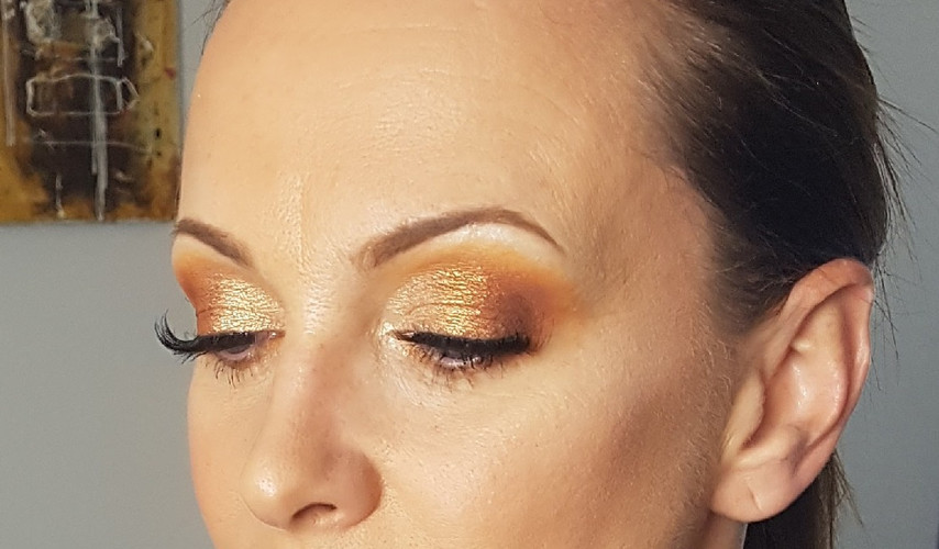 Gold summer time bronze look