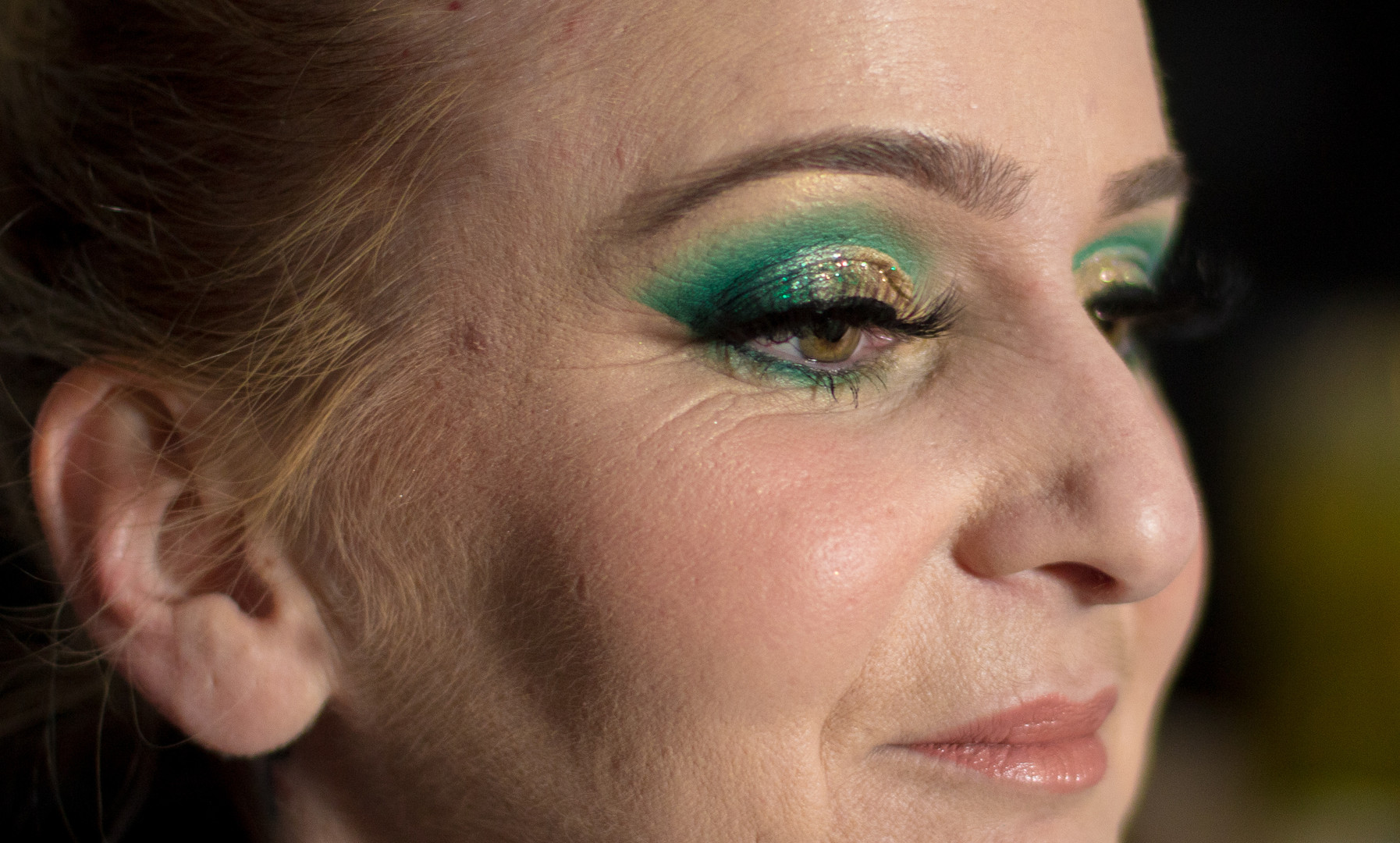 green glam makeup