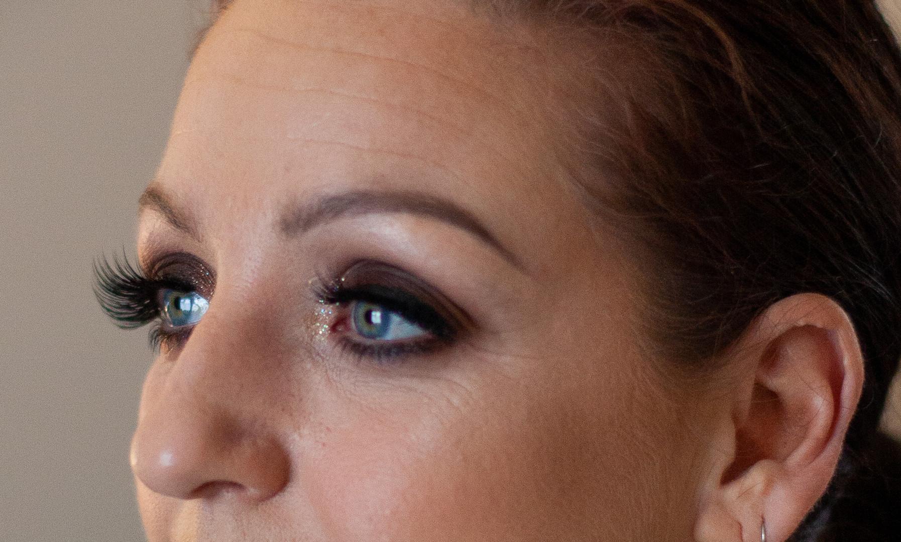Black smokey eye party makeup