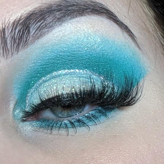 blue glitter eyeshadow eyemakeup