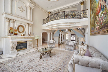 Grand Rear Living Area