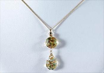 ガラス製小物は普段使いや贈り物としてもぴったりな【Glass brand OR】のアクセサリーを