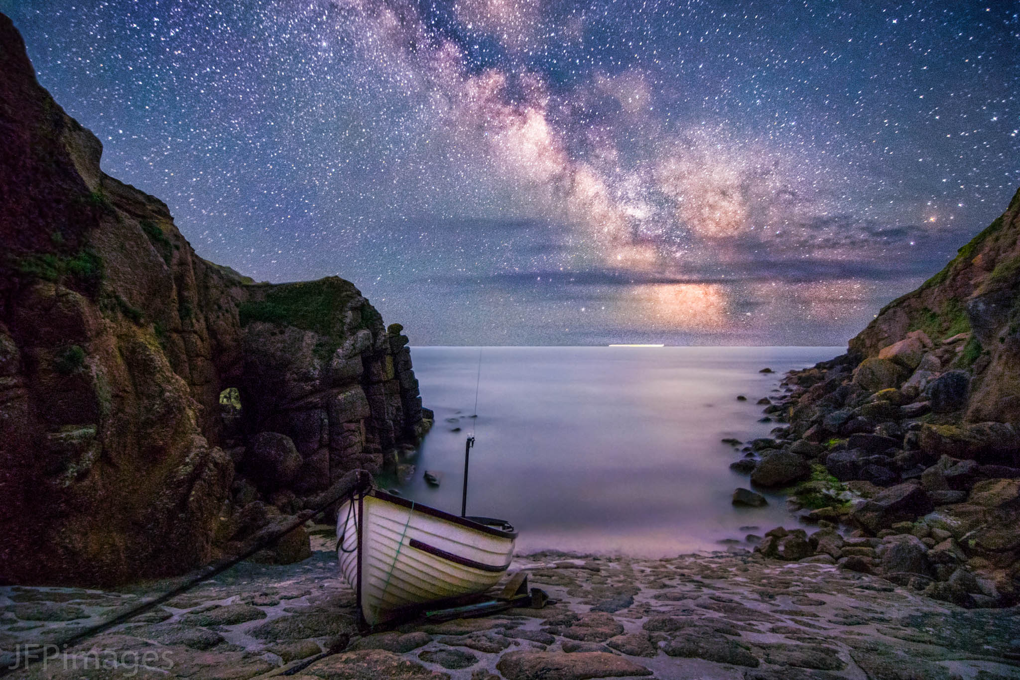 Milky way above Porthgwarra