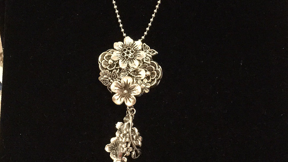3 Dimensional Flowers with Hanging Jewelry