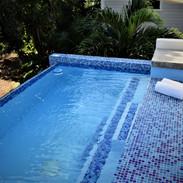 close image of pool  (800x533).jpg