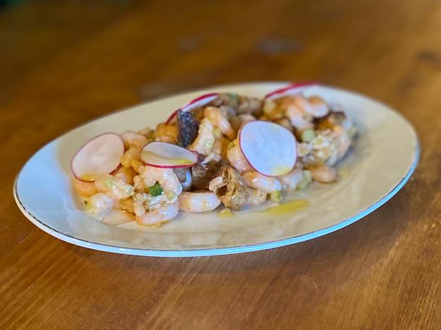 Crevettes Nordiques, huîtres en escabèche, vinaigrette façon cocktail.