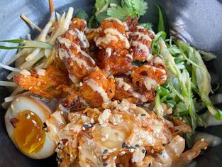 Bol Poké au rosti de légume, sur riz à sushi