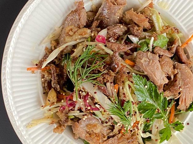 Salade d'hiver et canard confit