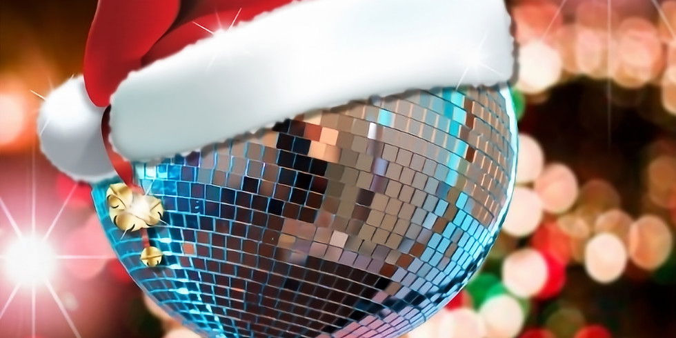 WREXHAMS CHRISTMAS CRACKER FESTIVE PARTY