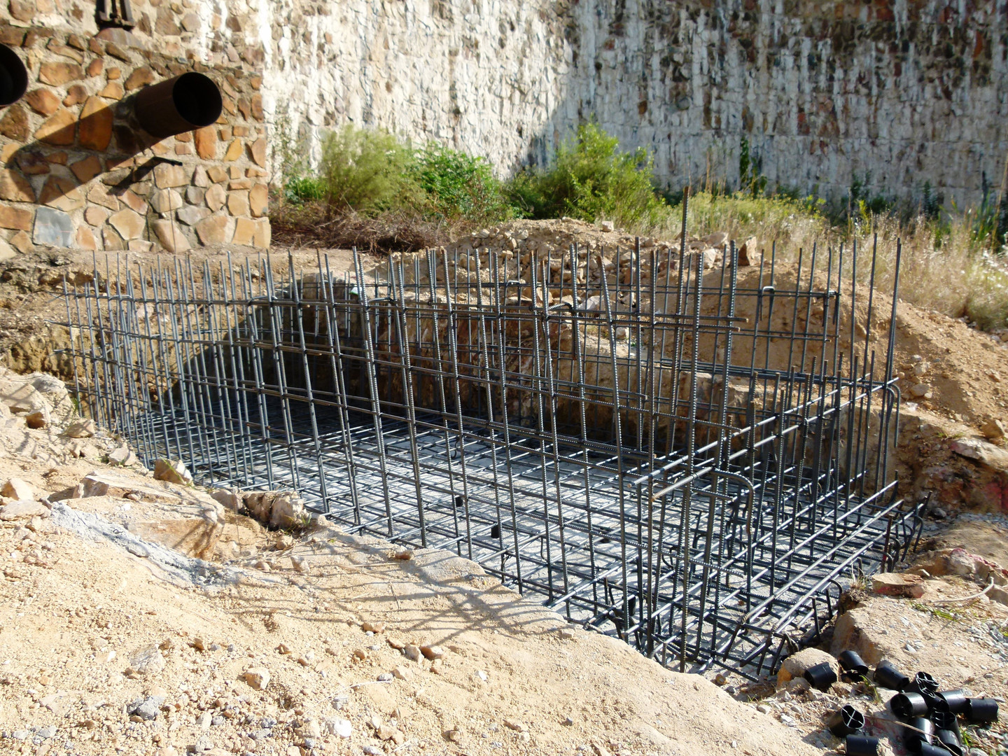 Blinding prepared and rebar for the base