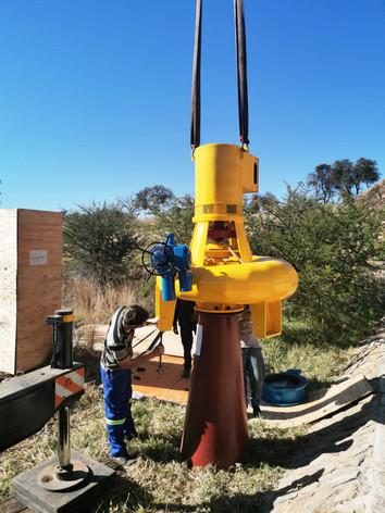 Assembling the turbine and draft tube