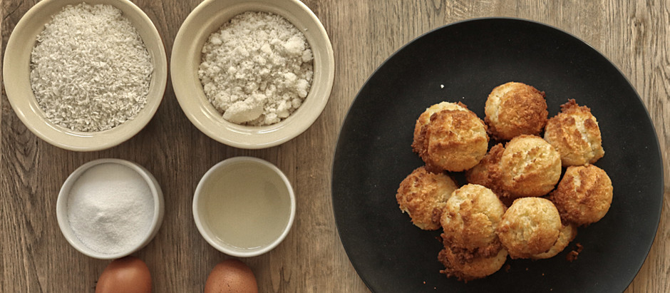 Low-carb coconut macaroons