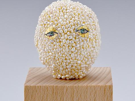 pearl head