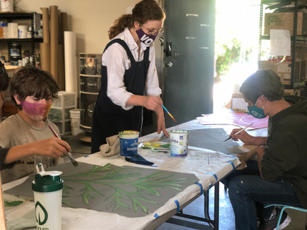 Alina Mentors Sky and Mathias in painting foliage