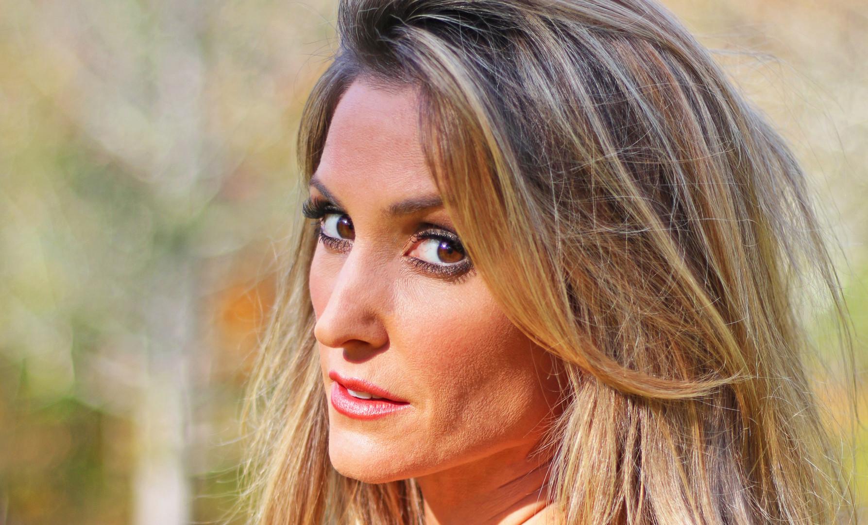 Kelly Levesque  (130d).jpg
