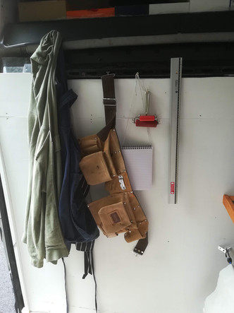 Aprons, tool belt, notebook, tools, rollers, rulers: everything you need to make a print…!