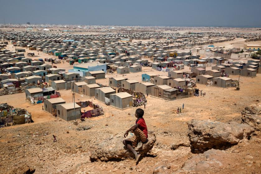 http://time.com/4168657/witness-somalias-resilience-after-decades-of-war/?utm_source=January+15%2C+2015+EN&utm_campaign=1%2F15%2F2016&utm_medium=email