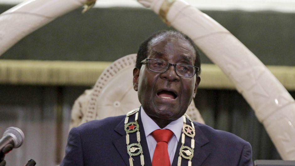 Keeping the peace in Zimbabwe since 1987. (Reuters/Philimon Bulawayo)
