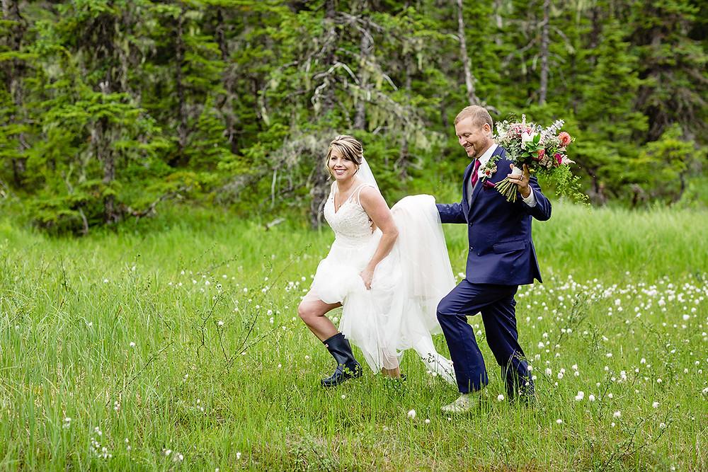 Plan your Alaska destination wedding with La Boum Events!   Photo by Chugach Peaks Photography