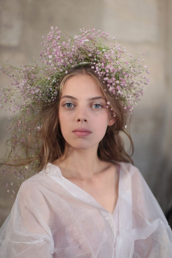 Rodate 2018 - wwd - Babys Breath Wedding Hair Crown