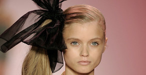 15 Ways to Style a Black Hair Bow