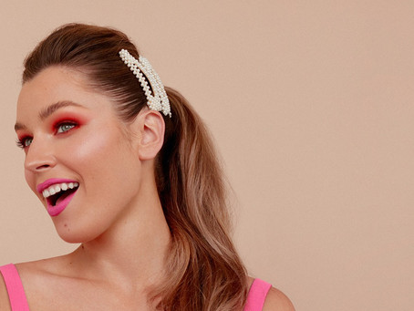 16 Ways to Style a Pearl Snap Hair Clip