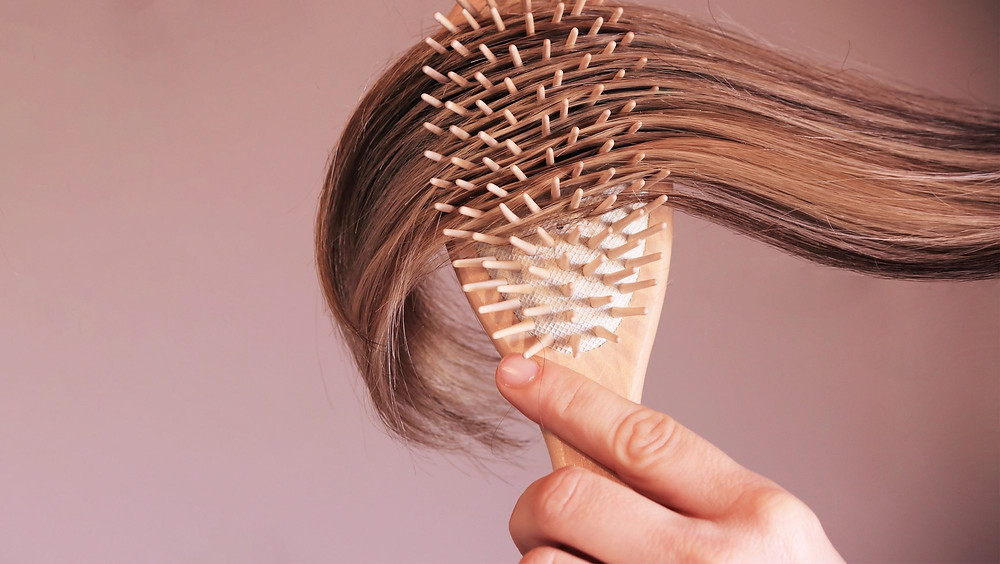 hair brushing and scalp massage for heathy hair