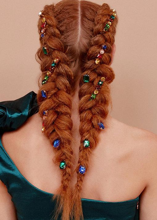 Double Dutch Braid Hairstyle - How To Wear Hair Clips - BEAU MANE