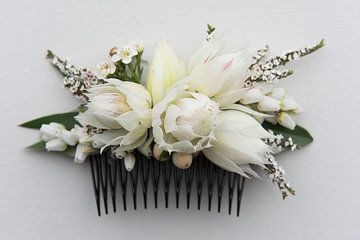 Fresh Flower Wedding Hair Comb