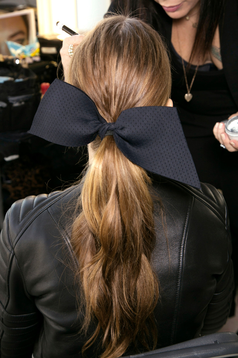 beach waved ponytail with a stiff patterned hair bow