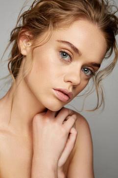 Photographer: Carlo Fernandes Makeup: Zoe Cameron Jane Makeup Design Hair: Jodie Day