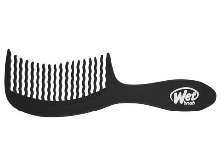 How A Wide-Tooth Comb For Wet Hair Prevents Damage