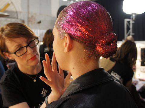 Pink Ombre Glitter -  Bun Hairstyle -  Backstage Fashion Week -  Hair Blog - Beau Mane