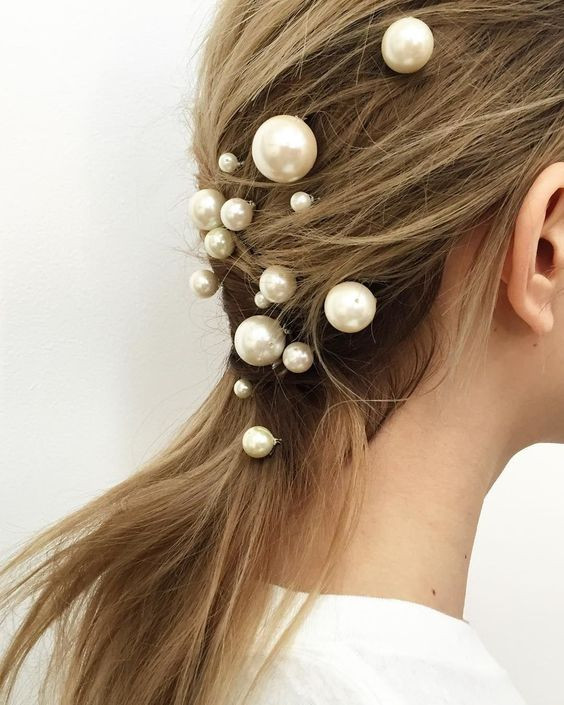 Textured Upstyle with Pearl Hair Pins - Hairstyling Tips