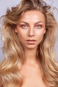 Photographer: Carlo Fernandes Makeup: Sandra Wograndl Hair: Jodie Day Model: Amalie Hansen