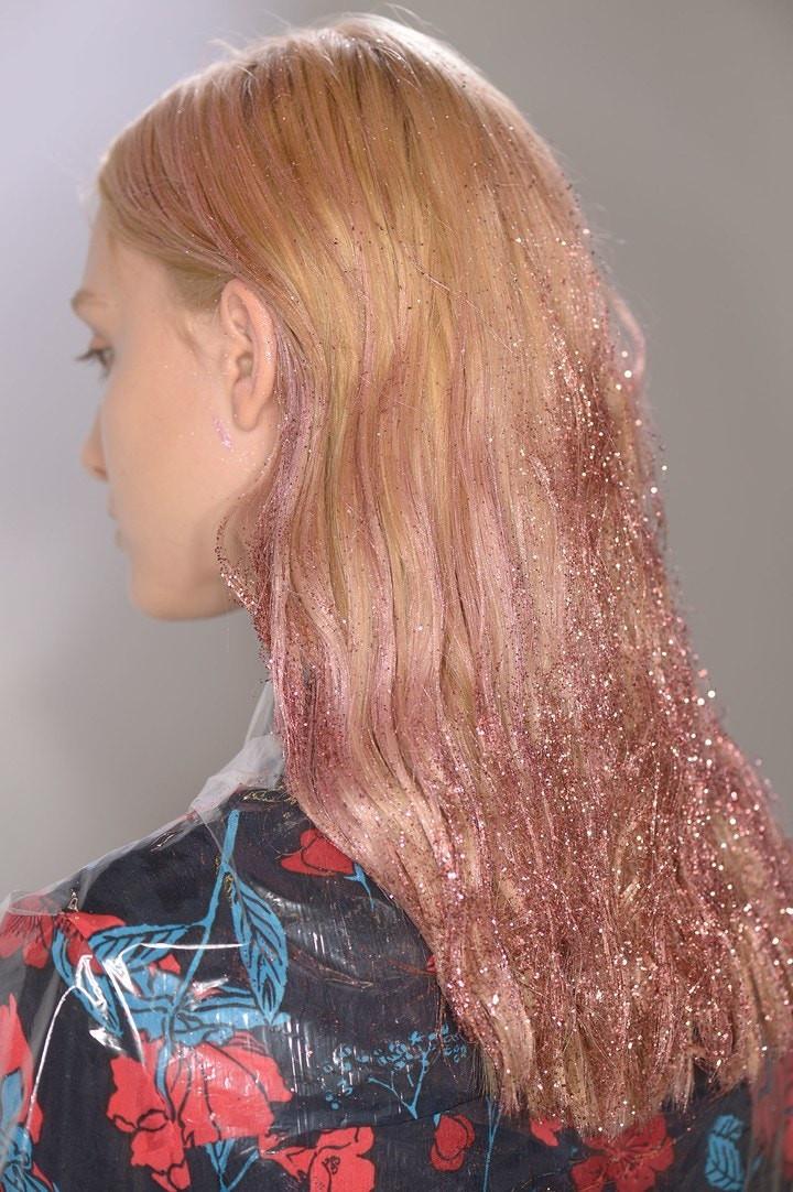 Giambattista Valli Runway Show with Dipped Glitter Hair -  Professional Hair Stylist Tips