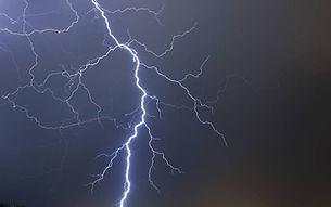 -orages-le-tonnerre-fait-trembler-marsei