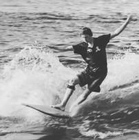 Julien sur son longboard
