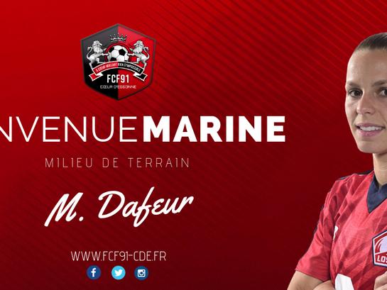 D1F. Marine Dafeur signe à Fleury