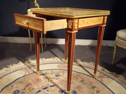 Louis XVI table