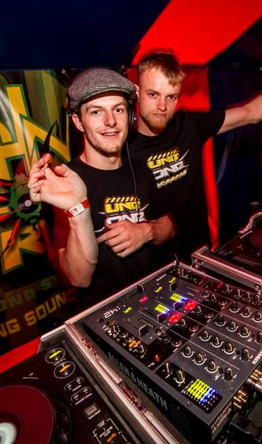 Coms B2B The Fly
