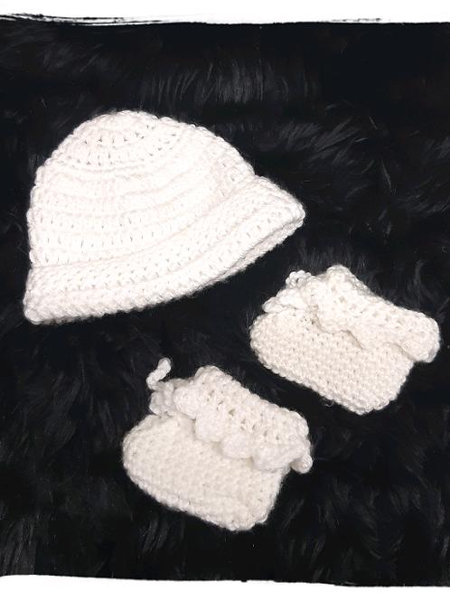 Chausson et chapeau nouveau-né au crochet