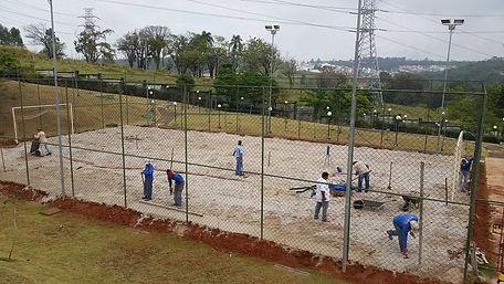 Jardin Paysan Jardinagem e Paisagismo -  nivelamento do solo para gramado esportivo - Jundiaí