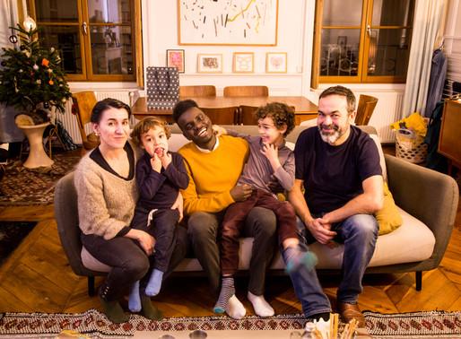 Mr Mondialisation: Ces familles françaises qui accueillent des réfugiés dans leur maison