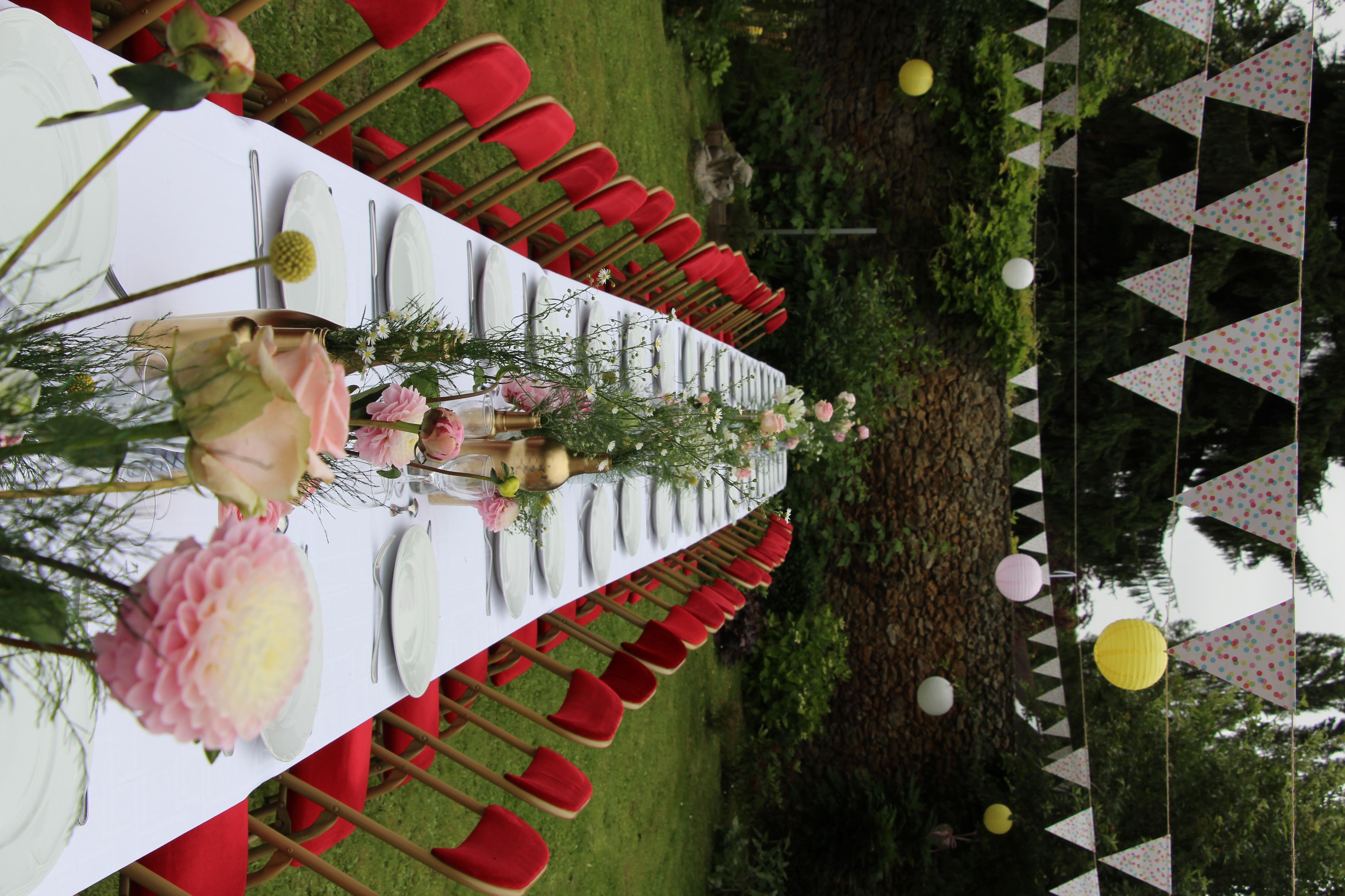 table de mariage dans le parc
