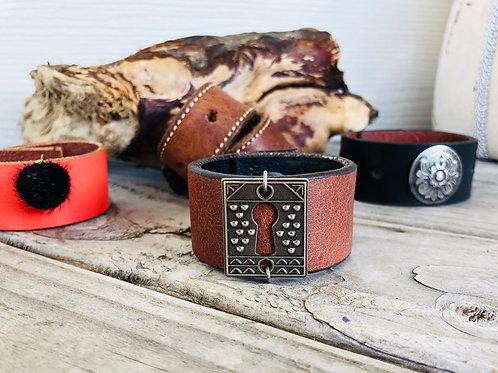 Keyhole Brown Leather Shawl Cuff