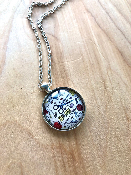 Crafts Scissors Sewing - Bezel Necklace