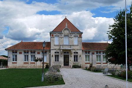 Saint-Genès-de-Fronsac_Mairie.jpeg